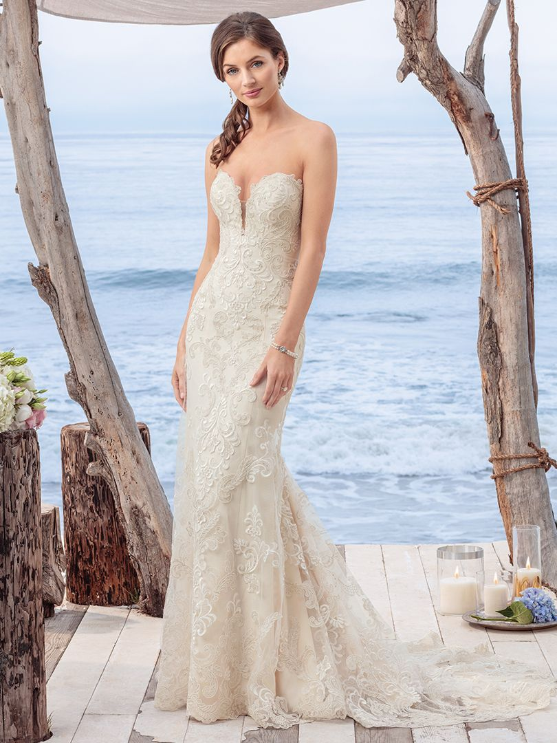 Shoulder Hugging Wedding Dress